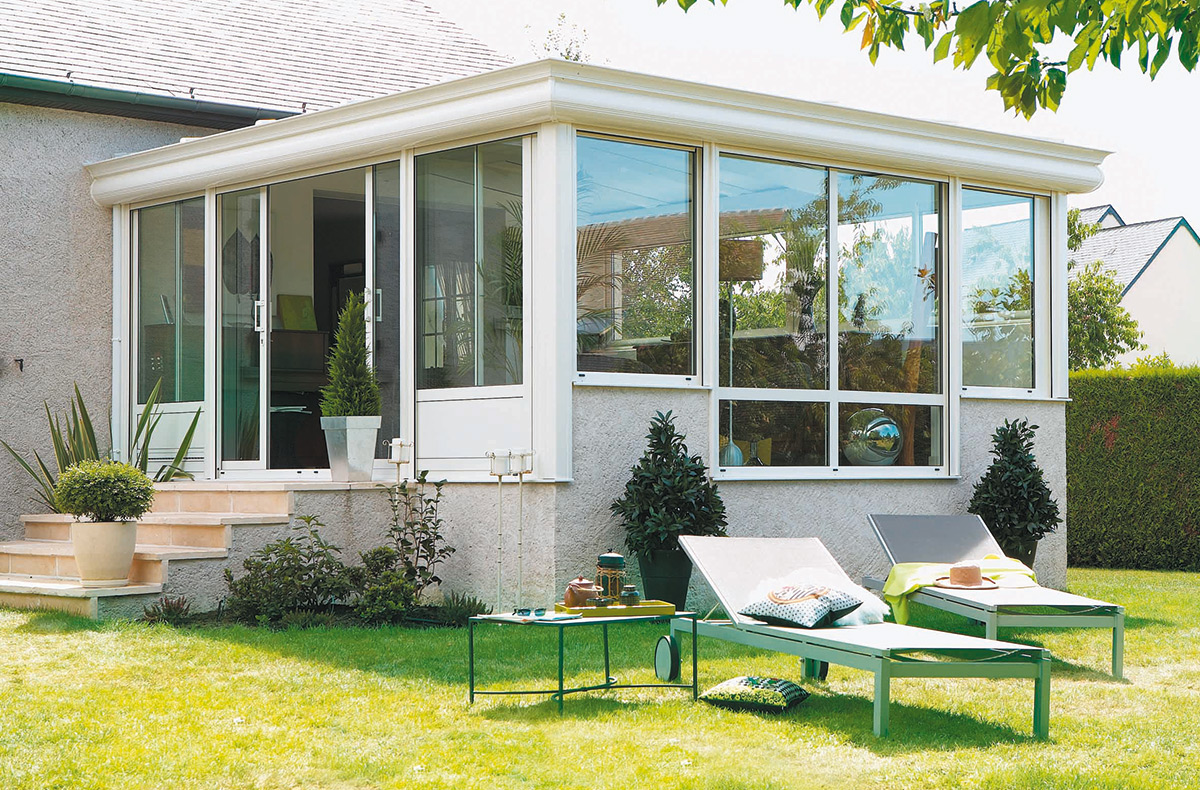 modeles de verandas sur terrasse top cette vranda est quipe du systme tahoma qui permet de. Black Bedroom Furniture Sets. Home Design Ideas